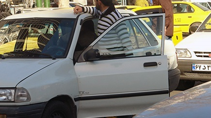 خودروهای مسافر بر شخصی غیر مجاز توقیف می شوند
